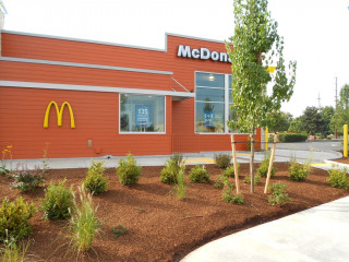 McDonalds, fast food, restaurant remodels, restaurant construction, Pacific Northwest, Portland OR, Medford OR, Bend OR, ADA compliance, POS certificate, cold storage, equipment installation, daily operations, fast-track updates